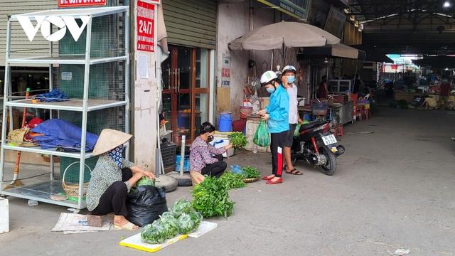 Người dân Bắc Ninh thực hiện đi chợ theo thẻ - Ảnh 6.