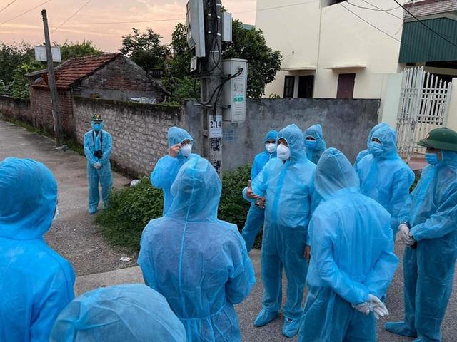 Hà Nội phát hiện 2 trường hợp liên quan đến chuyên gia Trung Quốc dương tính SARS-CoV-2  - Ảnh 1.
