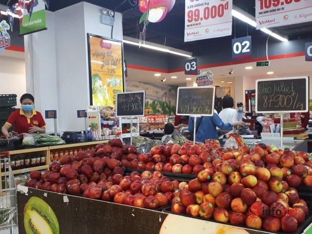 Hà Nội: Dân đổ xô về quê, đi chơi ngày lễ, siêu thị vắng khách, chợ ế hàng - Ảnh 11.