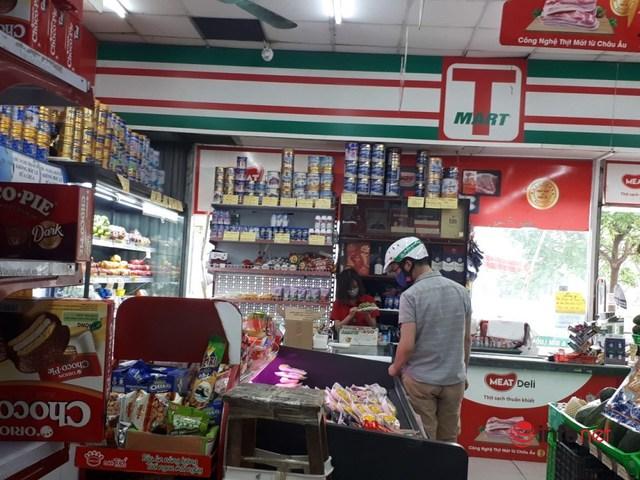 Hà Nội: Dân đổ xô về quê, đi chơi ngày lễ, siêu thị vắng khách, chợ ế hàng - Ảnh 6.