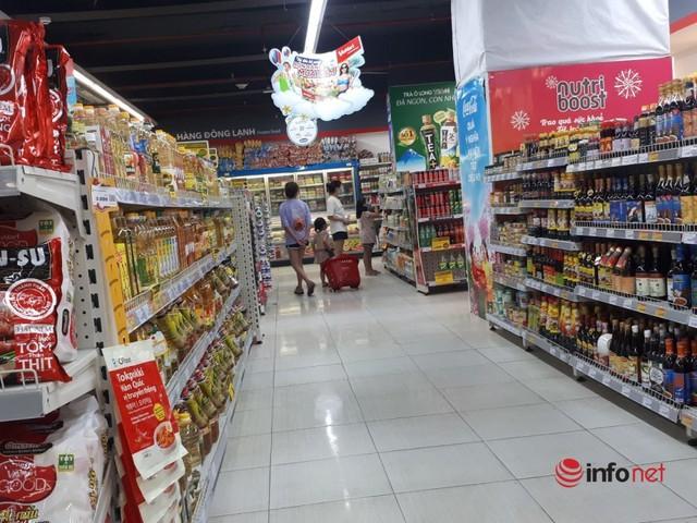 Hà Nội: Dân đổ xô về quê, đi chơi ngày lễ, siêu thị vắng khách, chợ ế hàng - Ảnh 10.