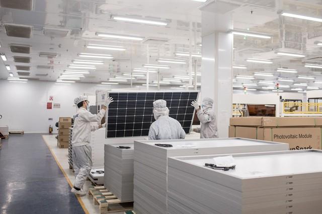 Bloomberg: Điện mặt trời bùng nổ, Việt Nam sẽ là nhà vô địch thế hệ mới? - Ảnh 4.