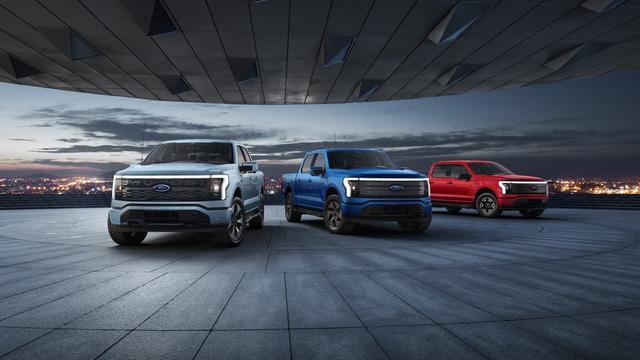 Siêu bán tải chạy điện Ford F-150 Lighning ra mắt: Mạnh, ngập tràn công nghệ, giá từ 40.000 USD - Ảnh 1.