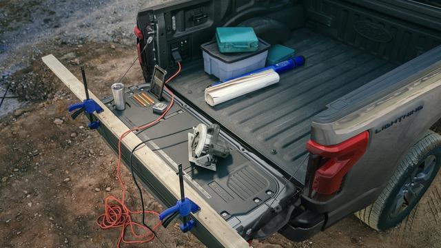 Siêu bán tải chạy điện Ford F-150 Lighning ra mắt: Mạnh, ngập tràn công nghệ, giá từ 40.000 USD - Ảnh 6.