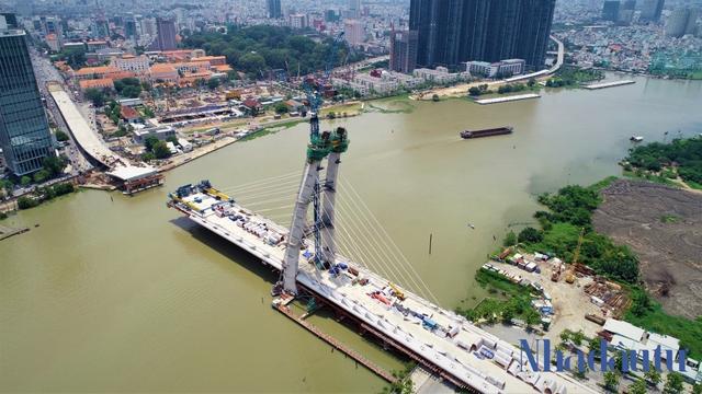Những công trình nghìn tỷ dang dở tại Khu đô thị mới Thủ Thiêm - Ảnh 1.