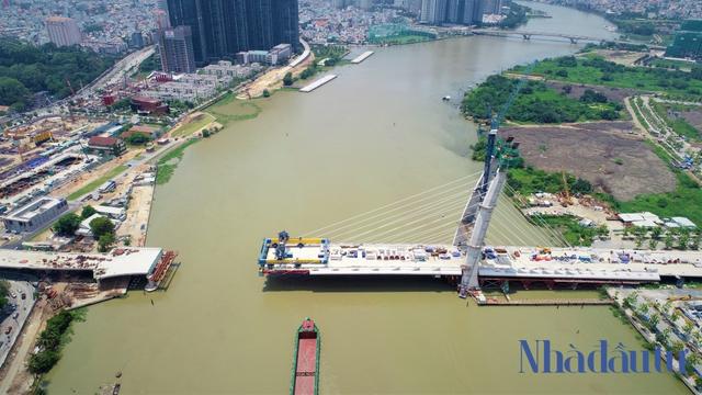 Những công trình nghìn tỷ dang dở tại Khu đô thị mới Thủ Thiêm - Ảnh 2.