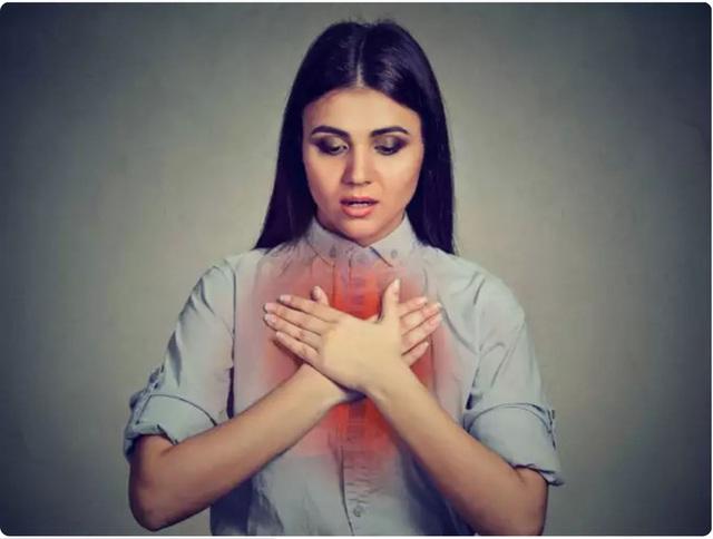 Cảm giác bỏng rát ngực: Một triệu chứng khẩn cấp của COVID-19 tuyệt đối không được bỏ qua - Ảnh 1.