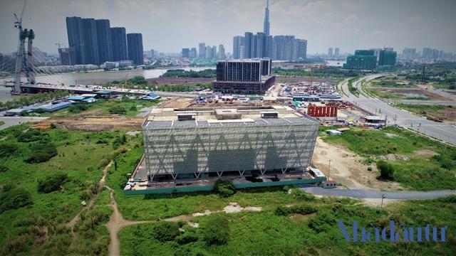 Những công trình nghìn tỷ dang dở tại Khu đô thị mới Thủ Thiêm - Ảnh 12.