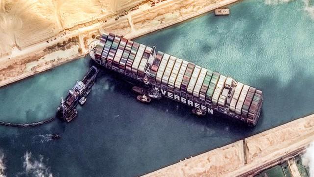 Ngành vận tải biển oằn mình phục vụ cơn lốc mua sắm trực tuyến - Ảnh 3.