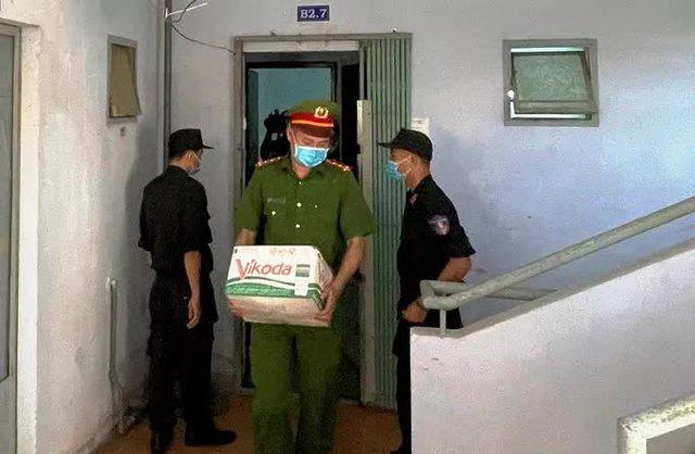 Hình ảnh khám xét, bắt giam cựu Giám đốc Sở Tài nguyên - Môi trường Khánh Hòa  - Ảnh 8.