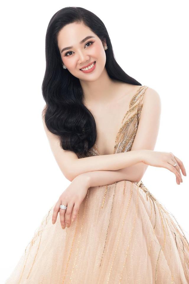 Nữ sinh chuyên Lý ở Hải Phòng trở thành Hoa hậu và scandal bắt cóc xôn xao ngày ấy: Nhan sắc sau 19 năm khiến ai nấy ngạc nhiên, cách dạy con đáng ngưỡng mộ - Ảnh 2.