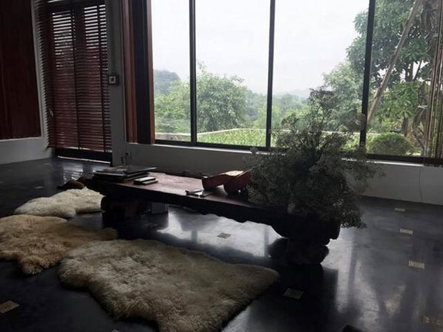 Khám phá căn biệt phủ ngoại ô của con gái PGS Văn Như Cương: Xây trên quả đồi rộng 200 m2, view cánh đồng rộng mênh mông, bên cạnh có suối chảy róc rách - Ảnh 12.