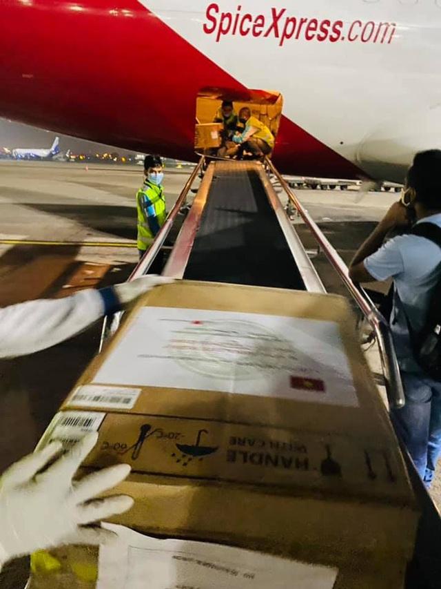Chuyến hàng viện trợ đầu tiên của Việt Nam đến Ấn Độ  - Ảnh 9.