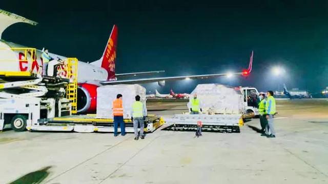 Chuyến hàng viện trợ đầu tiên của Việt Nam đến Ấn Độ  - Ảnh 10.