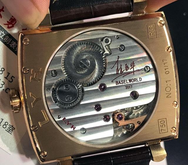 """Sự kỳ công của người thợ đồng hồ tự chế tác những """"siêu phẩm"""" thủ công, giá lên tới 80.000 USD, chất lượng sánh ngang với nhiều thương hiệu nổi tiếng - Ảnh 5."""
