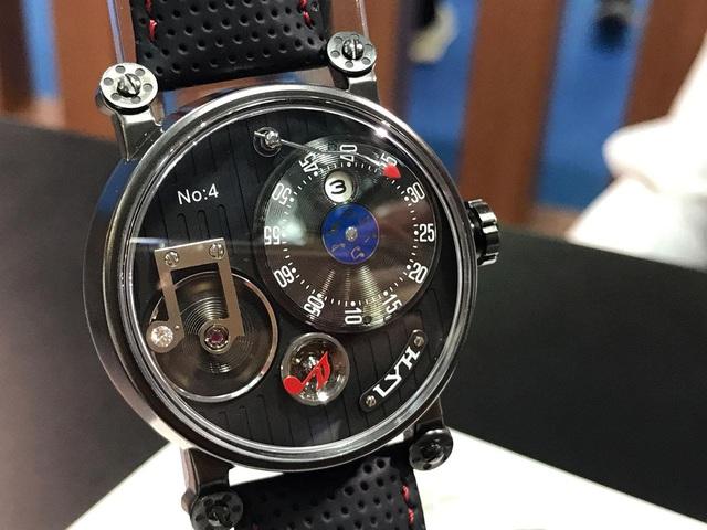"""Sự kỳ công của người thợ đồng hồ tự chế tác những """"siêu phẩm"""" thủ công, giá lên tới 80.000 USD, chất lượng sánh ngang với nhiều thương hiệu nổi tiếng - Ảnh 6."""