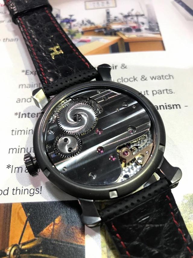 """Sự kỳ công của người thợ đồng hồ tự chế tác những """"siêu phẩm"""" thủ công, giá lên tới 80.000 USD, chất lượng sánh ngang với nhiều thương hiệu nổi tiếng - Ảnh 7."""