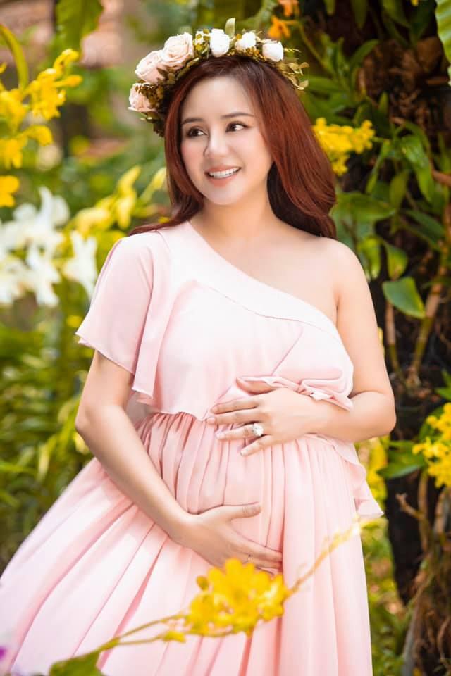 Bị bà Phương Hằng chê không có nổi 1000 tỷ nhưng Vy Oanh lại sở hữu khối tài sản không phải dạng vừa - Ảnh 19.