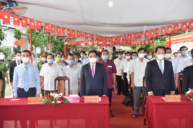 Thủ tướng Phạm Minh Chính bỏ phiếu bầu cử tại Cần Thơ - Ảnh 2.