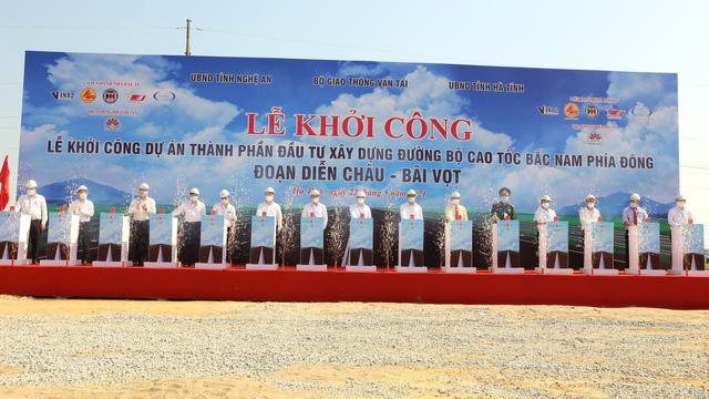 Khởi công dự án cao tốc Diễn Châu - Bãi Vọt với tổng đầu tư hơn 11 nghìn tỷ đồng - Ảnh 1.