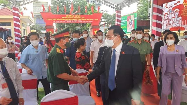 Chủ tịch Quốc hội và Phó Thủ tướng bỏ phiếu bầu cử tại Hải Phòng - Ảnh 2.