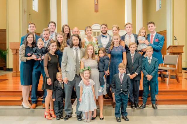 Đẻ 14 đứa con, phá sản vài lần nhưng cặp vợ chồng này không hề mắc nợ ai 1 đồng chỉ nhờ đúng 5 điều đặc biệt này - Ảnh 2.