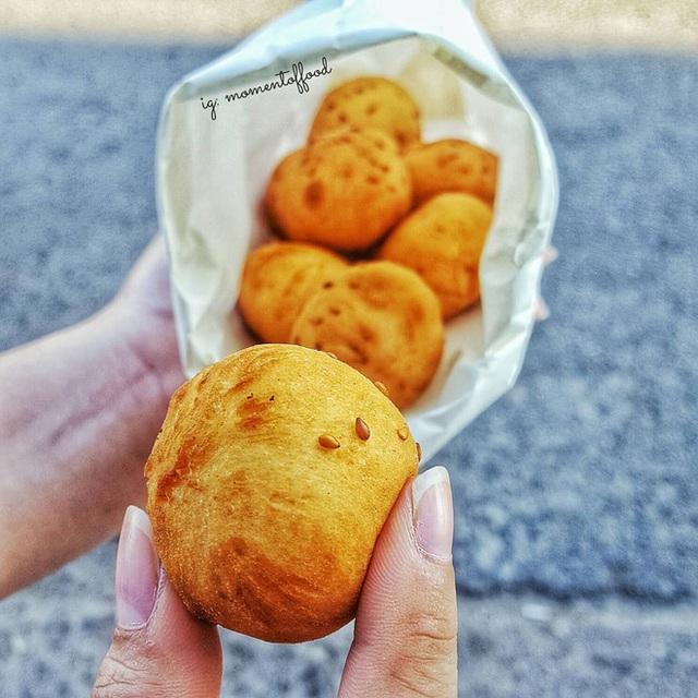 Hàng bánh tiêu chảnh số 1 Việt Nam: Chưa kịp mở cửa đã thông báo hết bánh, có người phải đứng chờ cả tiếng đồng hồ - Ảnh 11.