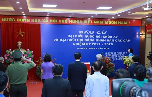 Những hình ảnh Tổng Bí thư Nguyễn Phú Trọng bỏ phiếu bầu cử  - Ảnh 3.