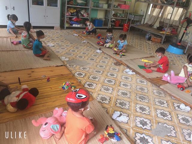 Nhiều em bé ở Điện Biên đi cách ly chỉ có một bộ quần áo, lắm em còn chẳng có dép để mang - Ảnh 4.