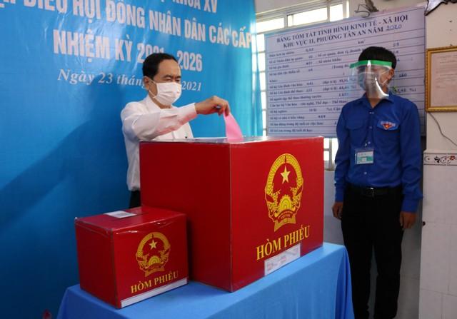 Phó Chủ tịch Thường trực Quốc hội Trần Thanh Mẫn bỏ phiếu tại Cần Thơ  - Ảnh 4.