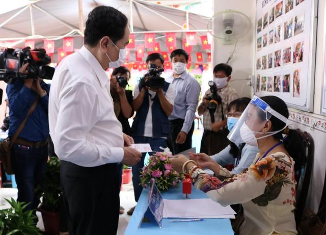 Phó Chủ tịch Thường trực Quốc hội Trần Thanh Mẫn bỏ phiếu tại Cần Thơ  - Ảnh 5.