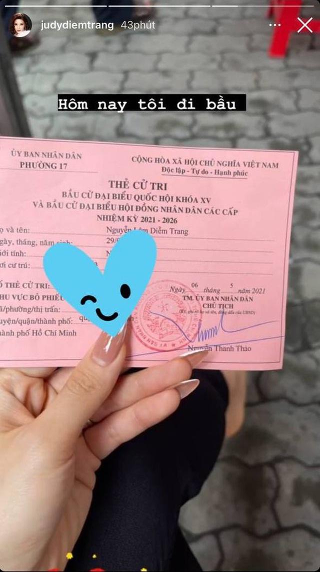 Sao Việt nô nức đi bầu cử: Tiểu Vy, Huyền My dậy sớm cùng dàn hậu bỏ phiếu, Khánh Vân từ Mỹ cũng hào hứng hưởng ứng - Ảnh 8.