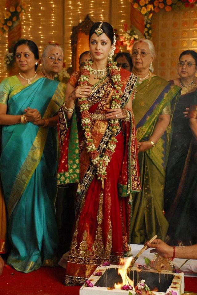 Hoa hậu đẹp nhất mọi thời đại: Nhan sắc hàng quốc bảo nhưng chuyện tình yêu trắc trở và đám cưới với cây chuối bị người đời dị nghị mãi - Ảnh 14.