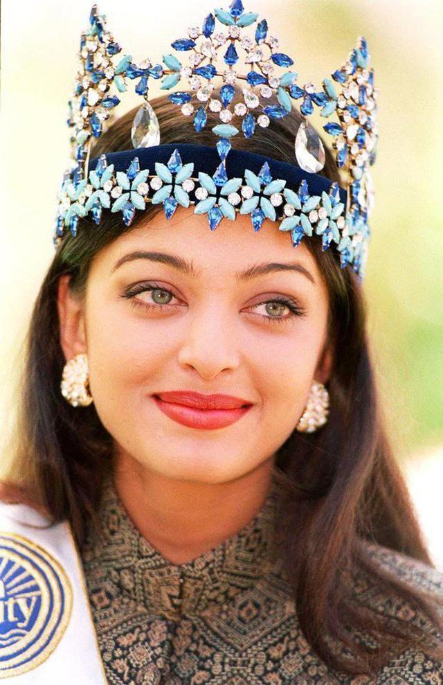 Hoa hậu đẹp nhất mọi thời đại: Nhan sắc hàng quốc bảo nhưng chuyện tình yêu trắc trở và đám cưới với cây chuối bị người đời dị nghị mãi - Ảnh 4.