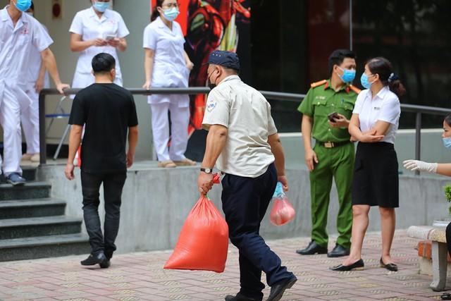 Hà Nội phong toả khẩn cấp toà 17T4 Trung Hoà Nhân Chính  - Ảnh 4.