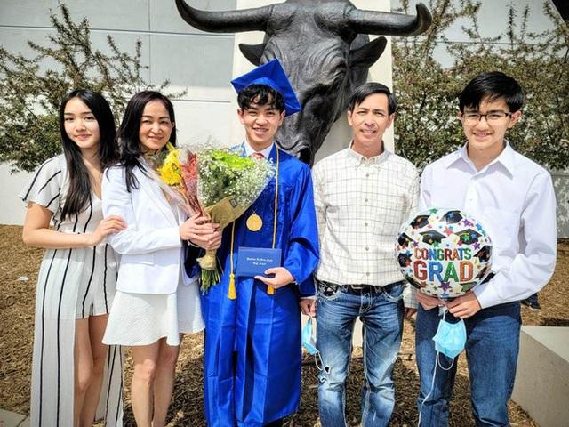 Nam sinh Việt sửa điện thoại dạo nhận học bổng toàn phần 6,7 tỷ của ĐH Harvard: Nói 3 thứ tiếng, muốn tự mở công ty - Ảnh 5.