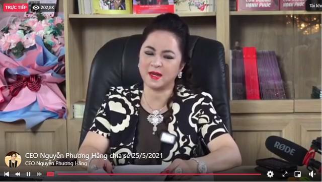 CEO Nguyễn Phương Hằng phá vỡ kỷ lục livestream tại Việt Nam với gần 300.000 người xem cùng lúc, vượt qua cả Khánh Vân và Độ Mixi - Ảnh 4.