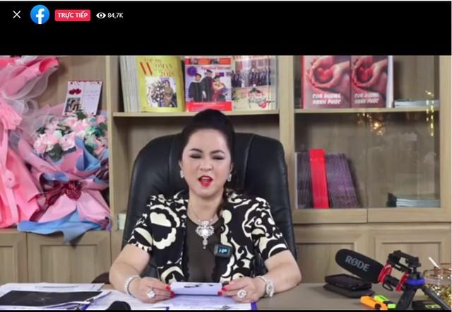CEO Nguyễn Phương Hằng phá vỡ kỷ lục livestream tại Việt Nam với gần 300.000 người xem cùng lúc, vượt qua cả Khánh Vân và Độ Mixi - Ảnh 3.
