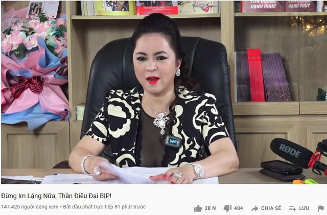 CEO Nguyễn Phương Hằng phá vỡ kỷ lục livestream tại Việt Nam với gần 300.000 người xem cùng lúc, vượt qua cả Khánh Vân và Độ Mixi - Ảnh 2.