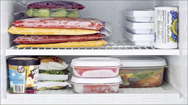 Tủ lạnh là vật dụng bẩn số 1 trong nhà bếp: Có 2 món được lấy ra từ tủ lạnh dễ gây ung thư dạ dày - Ảnh 2.