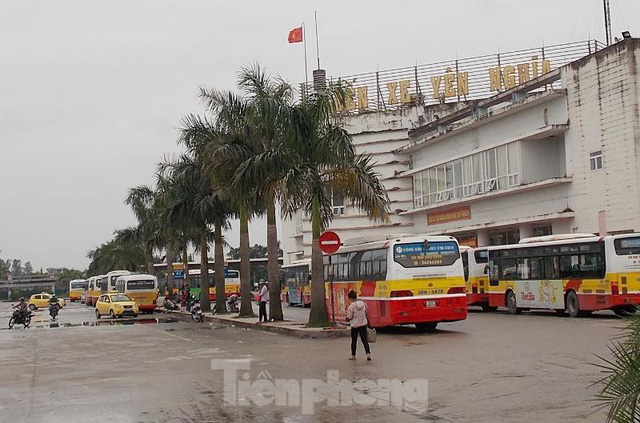 Đìu hiu bến bãi Hà Nội, xe khách nghỉ chạy đến 80%  - Ảnh 1.
