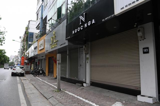 Hình ảnh các cửa hàng kinh doanh tại Hà Nội đóng cửa vì dịch Covid-19 - Ảnh 3.