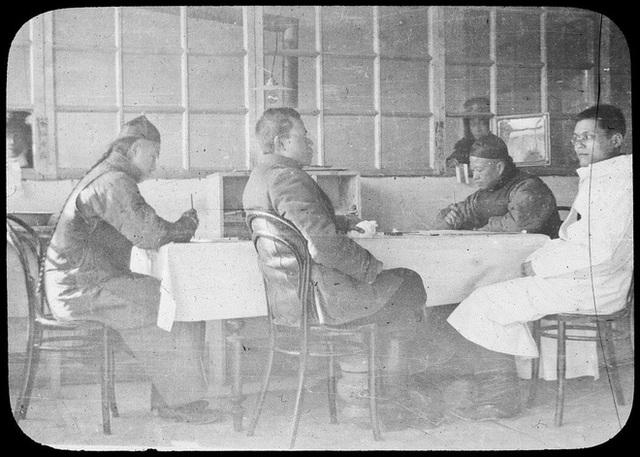 110 năm trước, điều kỳ diệu xảy ra sau chiếc khẩu trang: Chấm dứt đại dịch khiến hàng vạn người ho ra máu mà chết - Ảnh 6.