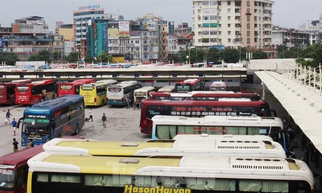 Đìu hiu bến bãi Hà Nội, xe khách nghỉ chạy đến 80%  - Ảnh 10.