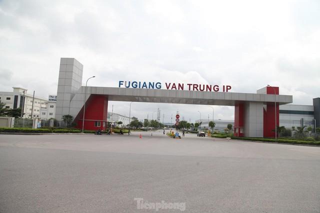 Bắc Giang thí điểm cho khu công nghiệp hoạt động trở lại trong 3 ngày tới - Ảnh 1.