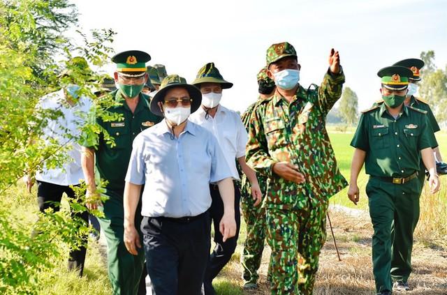 Thủ tướng chỉ đạo một loạt biện pháp mạnh để chống dịch hiệu quả hơn - Ảnh 1.