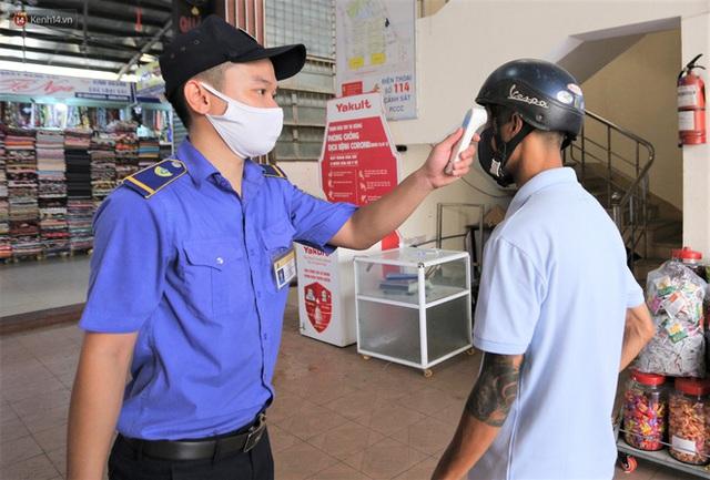 Ảnh: Người Đà Nẵng lần đầu trải nghiệm đi chợ bằng thẻ ứng dụng công nghệ QR Code - Ảnh 7.