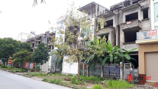 Khu đô thị ma la liệt biệt thự, nhà không người hoang vu ở Hà Nội - Ảnh 1.