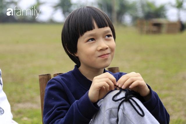 Hà Nội có 1 ngôi trường với những con đường quanh co rợp bóng cây: Bài thi không chấm điểm 10, dạy học theo nguyên tắc nương theo trẻ - Ảnh 1.