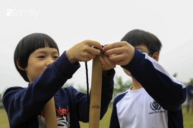 Hà Nội có 1 ngôi trường với những con đường quanh co rợp bóng cây: Bài thi không chấm điểm 10, dạy học theo nguyên tắc nương theo trẻ - Ảnh 2.